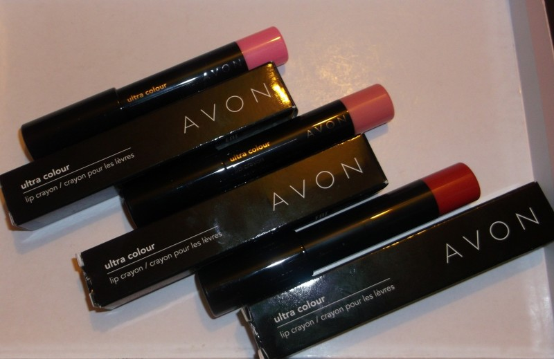 Avon - Avon Ultra Colour Lip Crayon: Reddy for Me, Risque Rose and Sweetly Pink Review - Beauty Bulletin - Lipgloss. Balms, Lip Plumpers