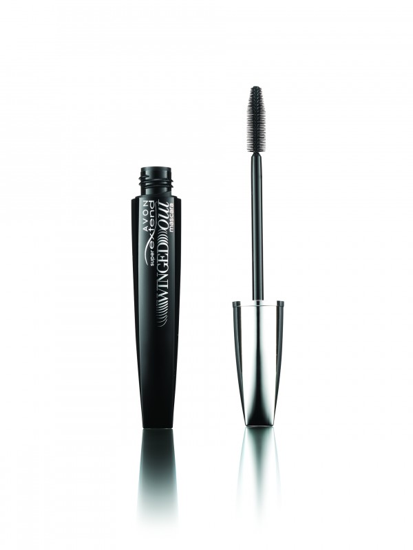 2c72eab6eef Avon - Avon Super Extend Winged Out Mascara Review - Beauty Bulletin ...