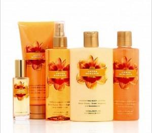 Victoria 39 s secret victoria 39 s secret garden amber romance review beauty bulletin fragrances for Victoria s secret victoria gardens
