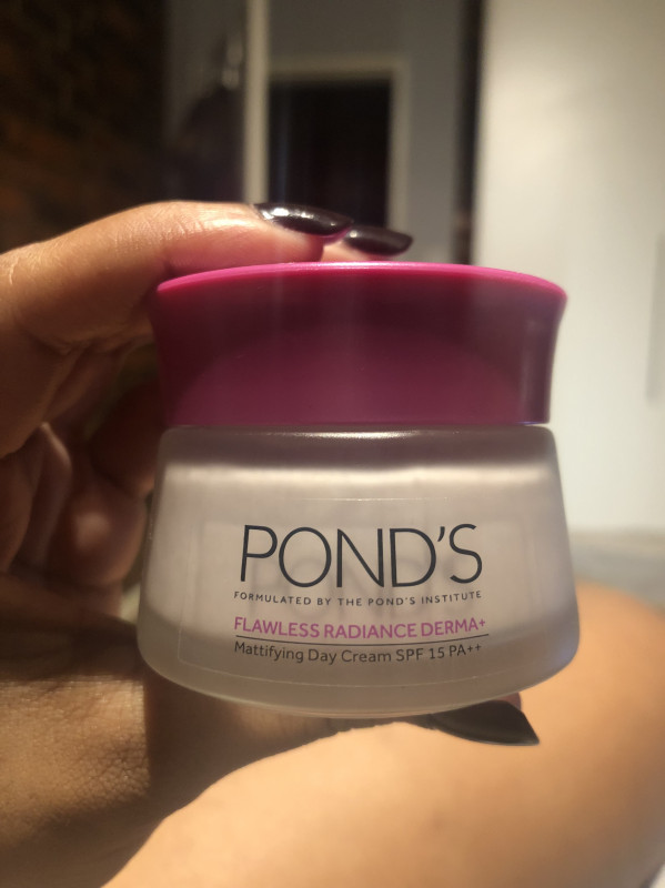 POND'S Flawless Radiance Derma+ Mattifying Day Cream SPF 15 PA++