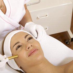 Pore refining anti ageing facial.jpg