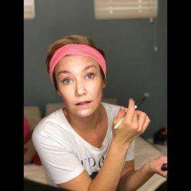 Chitchat and natural makeup tips